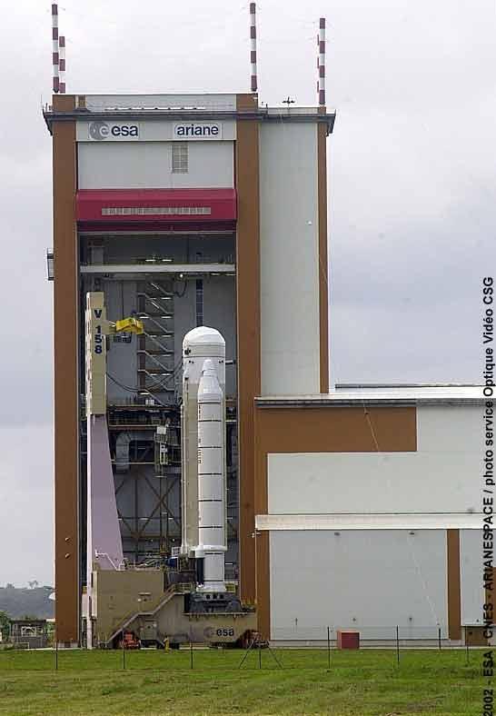 Assemblage d'ARIANE 5. Crédits : CNES/ESA/Arianespace